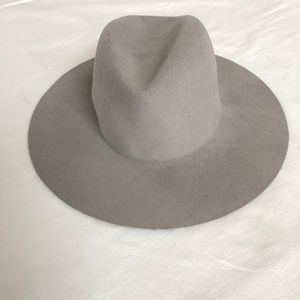 6c815142b6c janessa leone Accessories - Janessa Leone Majori Wide Brim Wool Hat Large